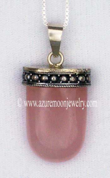 Rose Quartz Tongue Pendant In Sterling Silver With Sterling Silver Box Chain
